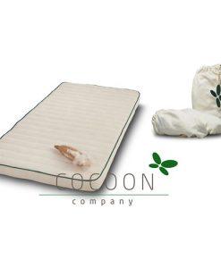 Cocoon Company madrass + lakan, spjälsäng