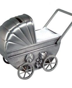 Dacapo Silver - Sparbössa Barnvagn M Gravyrplatta H 10,5Cm